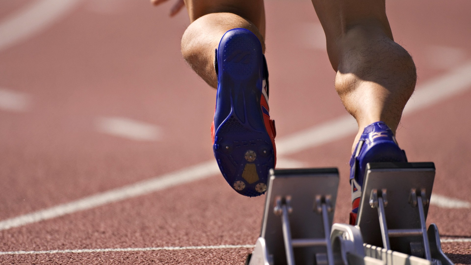 track-and-field-running-photo-wallpaper